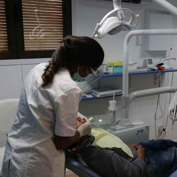 Atención odontológica para personas en situación o riesgo de exclusión social
